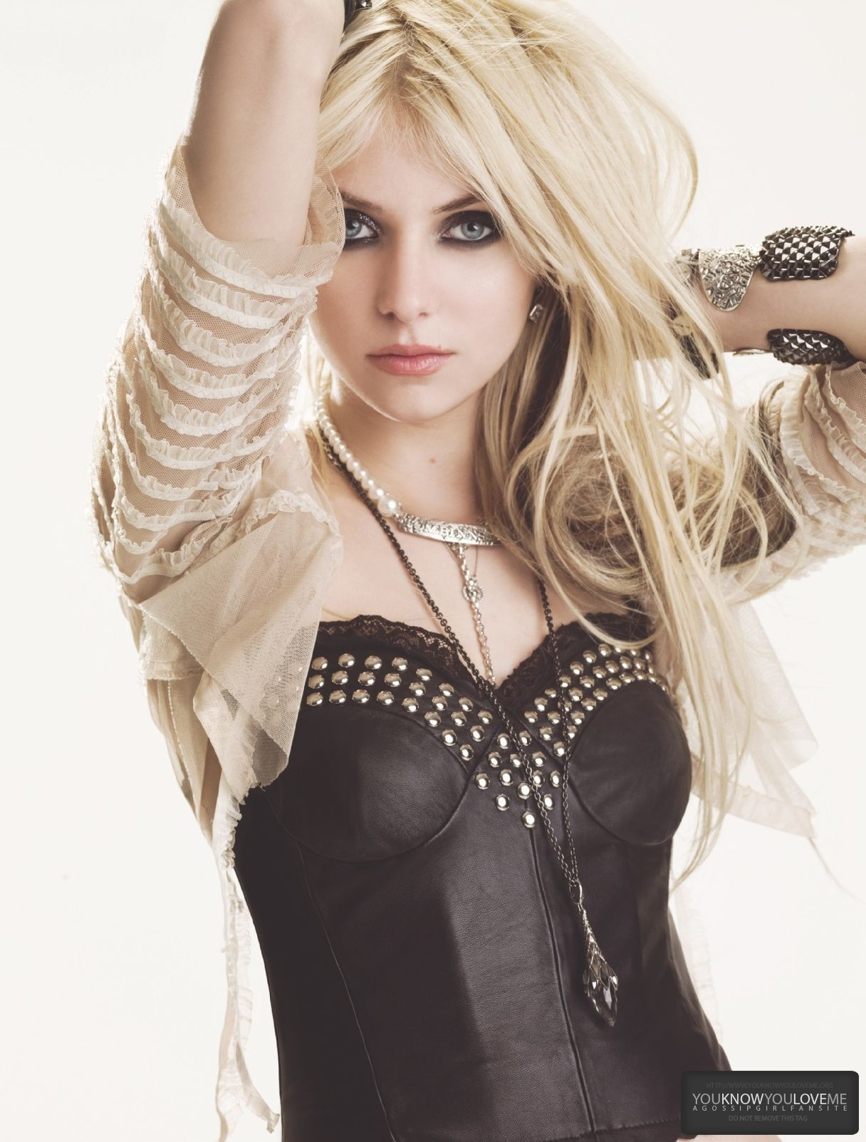 To download the Taylor Momsen Wallpaper Gallery just Right Click on ...