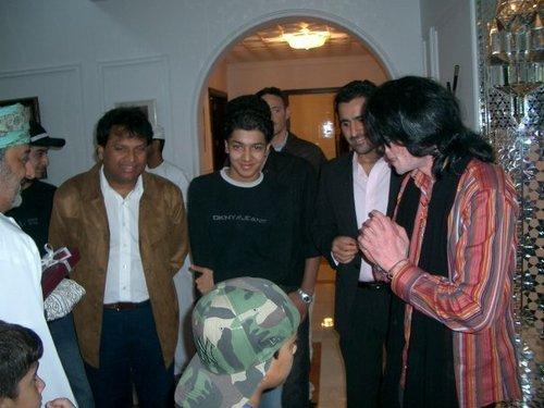 2003 - 2005 > Various > Michael visits Oman