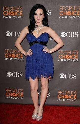 Demi Lovato At the 2010 Peoples Choice Awards!!!!