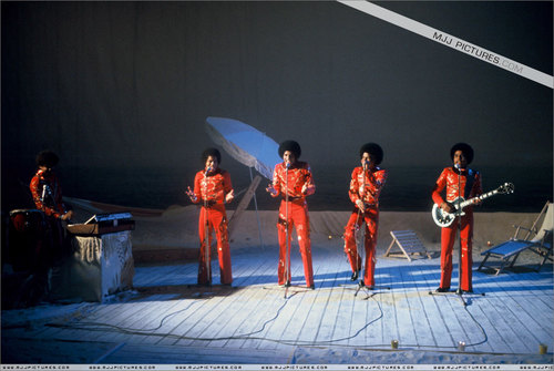 Early Years > The Jackson 5 / The Jacksons > TV Apperances > haut, retour au début A Joe Dassin