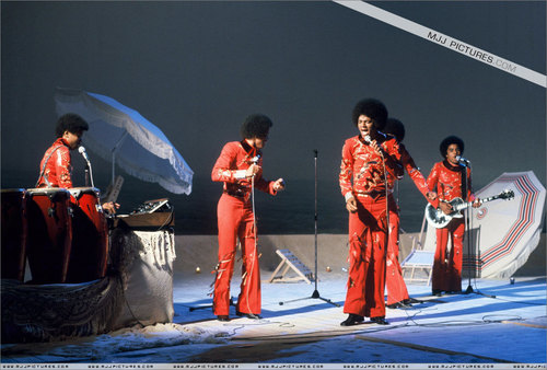 Early Years > The Jackson 5 / The Jacksons > TV Apperances > вверх A Joe Dassin