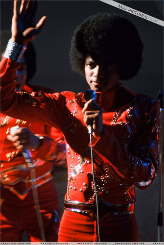 Early Years > The Jackson 5 / The Jacksons > TV Apperances > 上, ページのトップへ A Joe Dassin