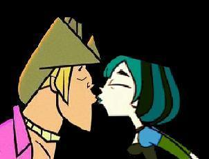 GwenxGeoff Kiss!