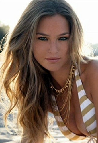 Bar Refaeli wallpaper entitled Hotness Bar Refaeli