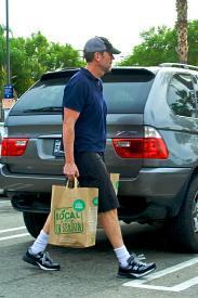 Hugh Laurie shops Whole Foods, Los Angeles (January 11, 2010)