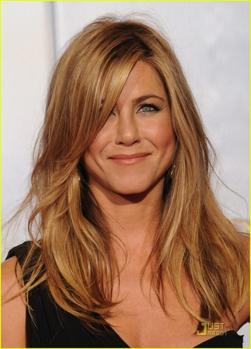 Jennifer Aniston wallpaper called Jennifer @ 2010 Golden Globe Awards