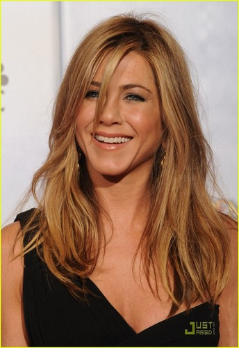 jennifer aniston wallpaper entitled Jennifer @ 2010 Golden Globe Awards