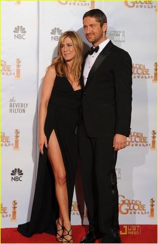 Jennifer Aniston wallpaper called Jennifer @ 2010 Golden Globe Awards