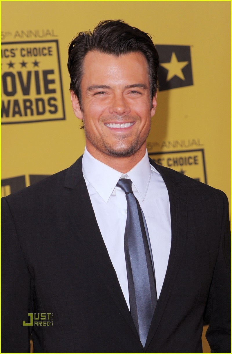 Josh @ 2010 Critics' Choice Movie Awards - josh-duhamel photo