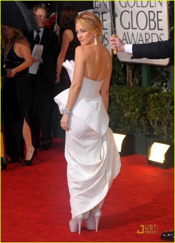 Kate @ 2010 Golden Globe Awards
