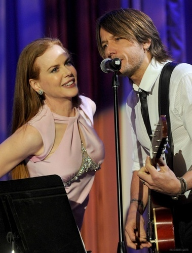 Keith and Nicole sing at G'Day USA - keith-urban Photo
