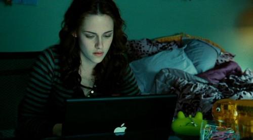 Bella Swan wallpaper titled Kristen as Bella in Twilight x