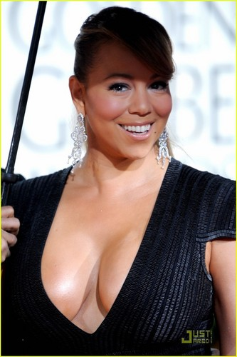 Mariah @ 2010 Golden Globe Awards