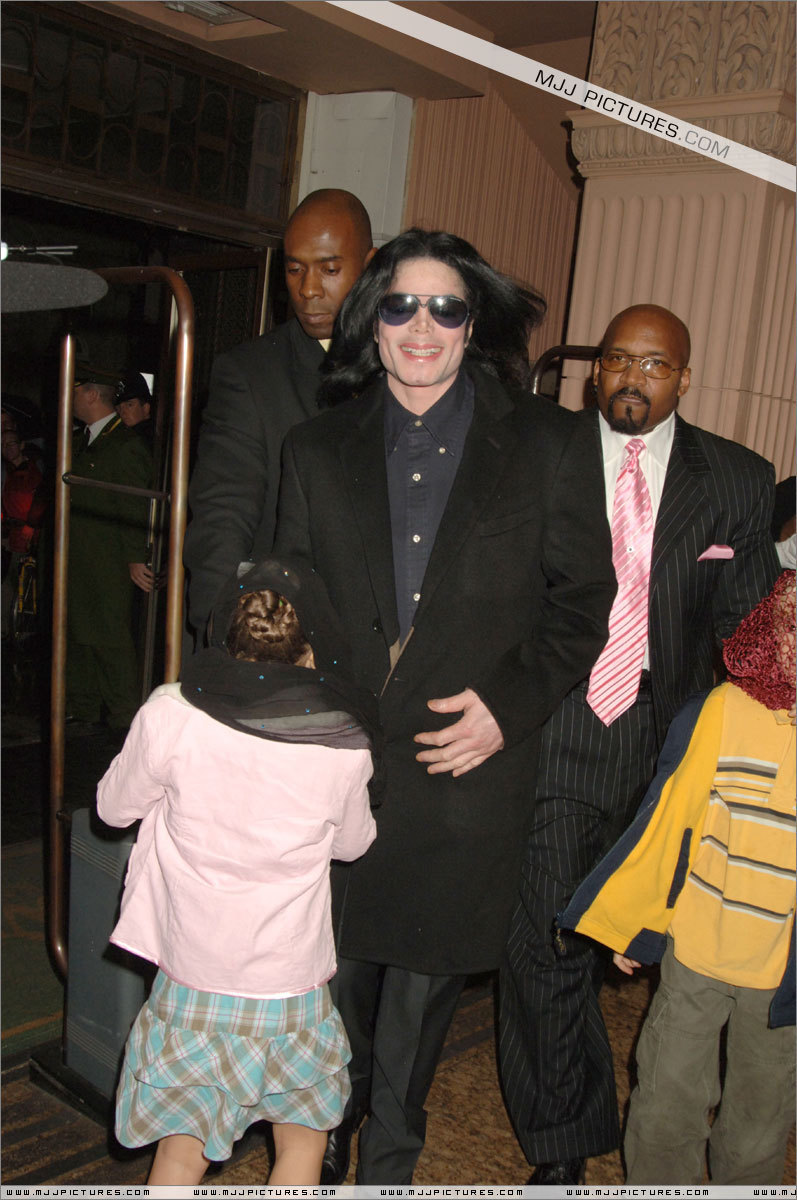 Michael Jackson with kids