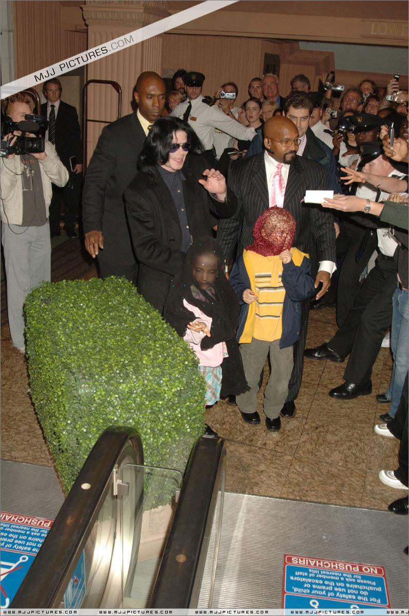 Michael Jackson with kids