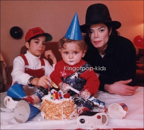 Michael's mga sanggol ;)