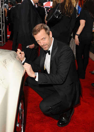 مزید 67th G. Globe Awards - Hugh Laurie