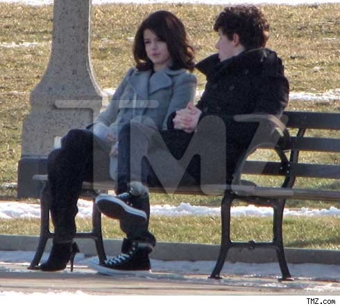 NELENA Out at a local park in Chicago, IL. 17.01.10