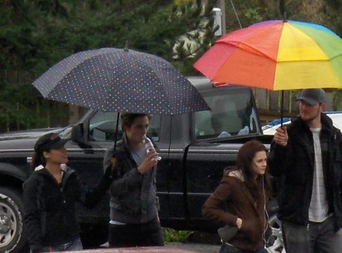 Robert Pattinson - Twilight set