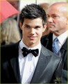 Taylor Lautner @ Golden Globes 2010 - twilight-series photo