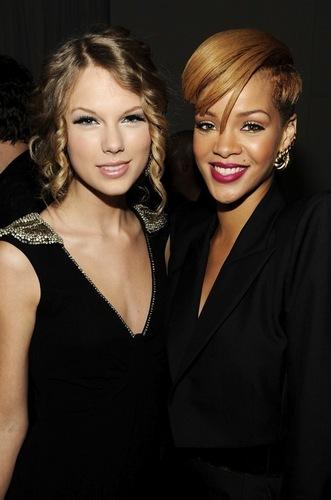 Taylor And রিহানা