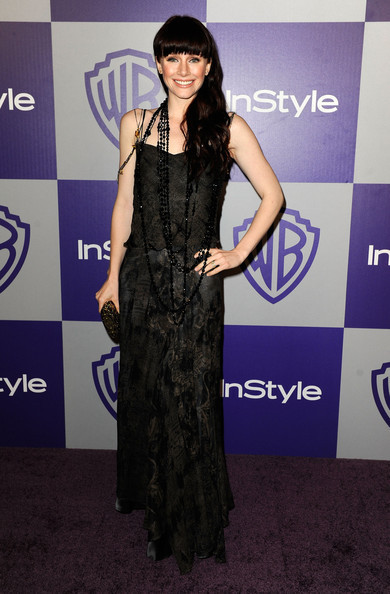 http://images2.fanpop.com/image/photos/9900000/Twilight-Cast-11th-Annual-Warner-Bros-And-InStyle-Golden-Globe-After-Party-twilight-series-9972316-390-594.jpg