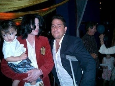 With Michael - blanket-jackson photo