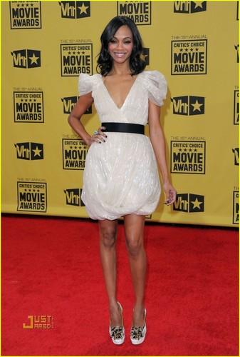 Zoe @ 2010 Critics Choice Awards