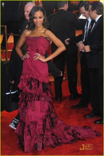 Zoe @ 2010 Golden Globe Awards