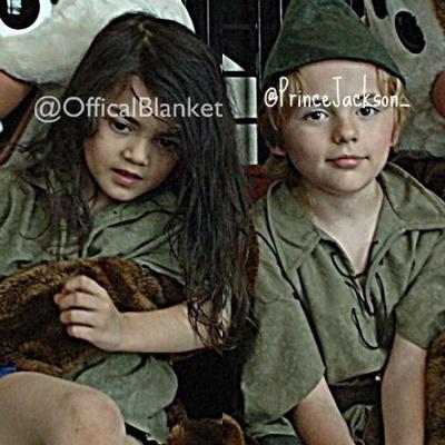 leaked các bức ảnh of prince wid blanket