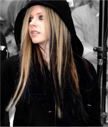 avril lavigne brown hair. With rown