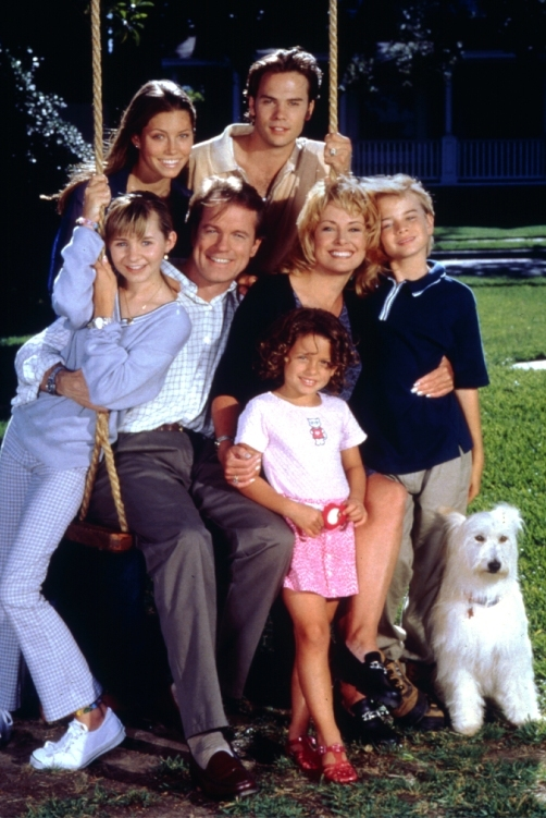 an analysis of the tv show 7th heaven 7th bestone of the highest rated and most popular programs on television today is 7th heaven the success of the series, based on the daily lives of a minister and his family, has surprised even the producers.
