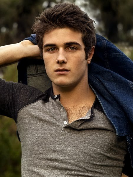 Who should play Gale Hawthorne? (This question was on the ... Young Canadian Actors