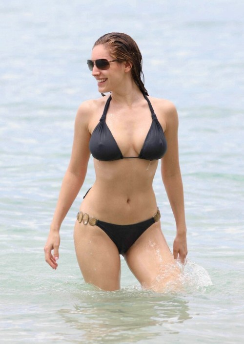 Hottest Brunette Actress 88
