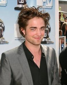 TRUE hoặc FALSE: A biography has been writting about Robert Pattinson?