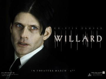 """What animals did Willard befriend in the movie """"Willard""""(2003)?"""