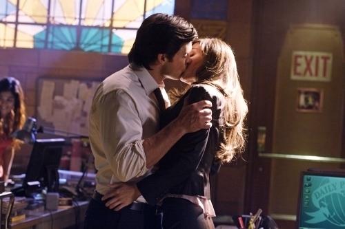 Smallville: Clark&Lois' first kiss?