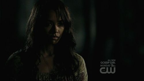 Who is Emily/Bonnie looking at?