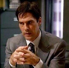 In what episode did Hotch sign his divorce papers??