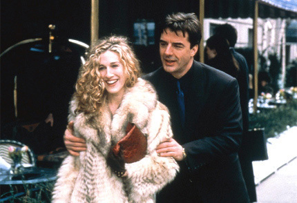 Who caught Carrie and Mr. Big coming out of a hotel while he was married to Natasha? 