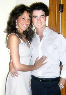 when did kevin jonas & Danielle Deleasa got married?