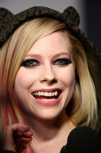 which song written by Avril Lavigne cut from the final track list and was later given to Kelly Clarkson??