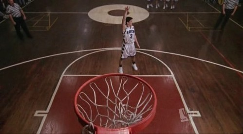 How many official minutes in basketball has Nathan Scott played?