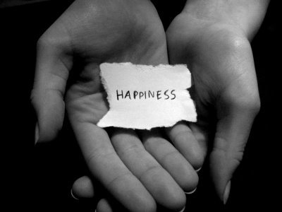 Who 発言しました : Happiness is not being pained in body または troubled in mind.