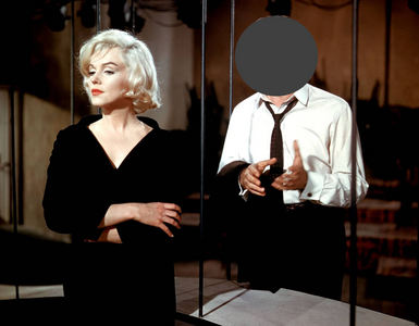 Who is with Marilyn ?