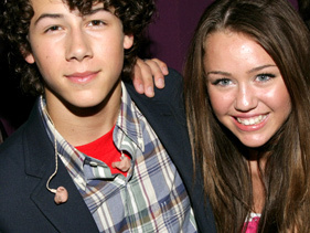 what song did miley dedecated to nick?