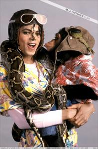 Who is in this picha with Mike?