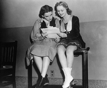 Judy Garland is learning her lines for which film ?