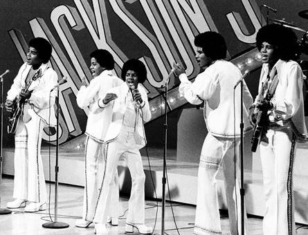 name all the jacksons from left to right.