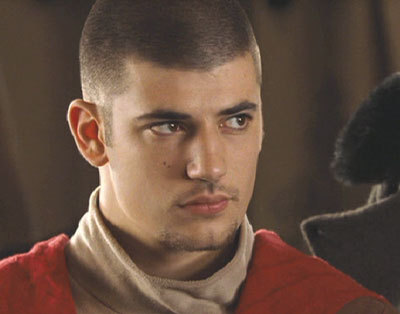 who is the actor playing Viktor Krum